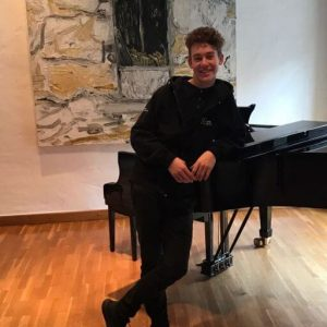 Samuel Weilacher – cello